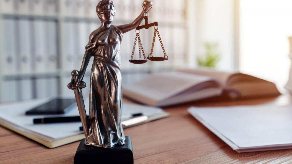 Legal Advice to Law Firms
